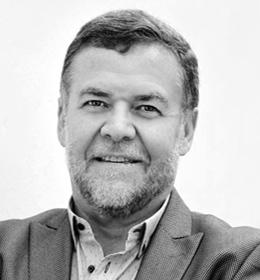 Dr Gerhard van Niekerk